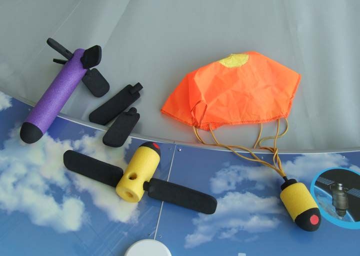 launch it interactive build objects to drop spin parachute.jpg